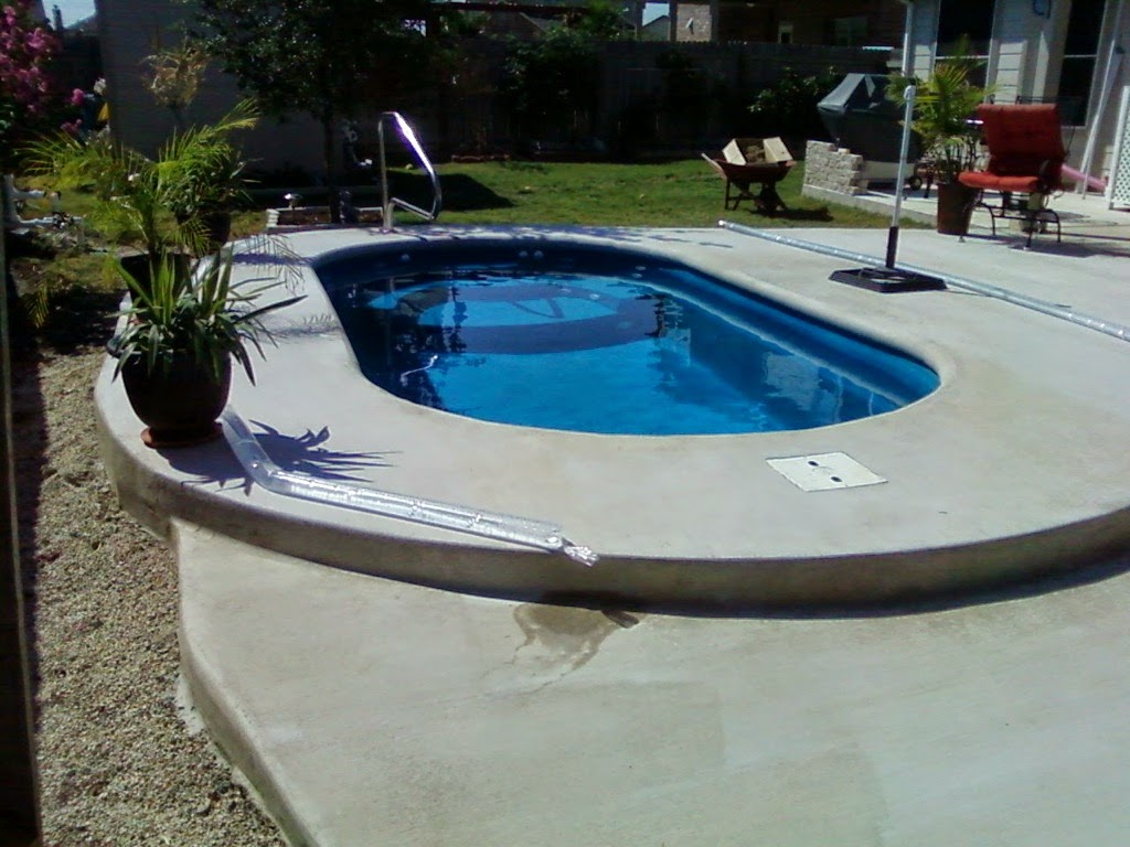Gallery Lonestar Fiberglass Pools